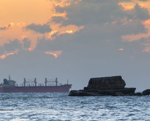 marine coating protecting a sea cargo vessel in Seoul